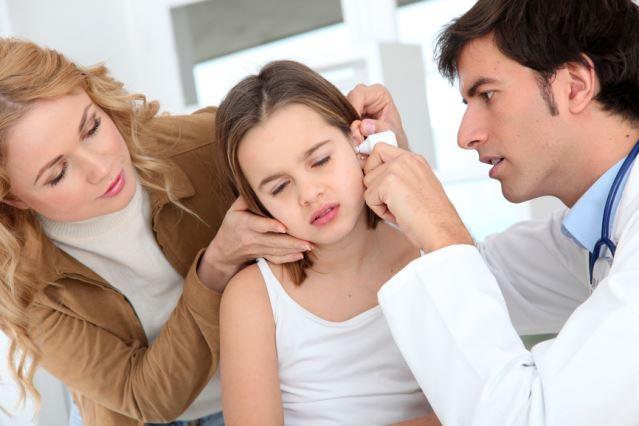 Нужно регулярно проверять уши